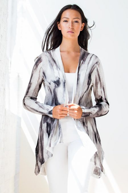 Kinross Cashmere is an iconic fashion cashmere clothing brand, providing cashmere clothes, chunky cashmere sweaters, and cashmere sweater brands. A pure cashmere brand and cashmere company.